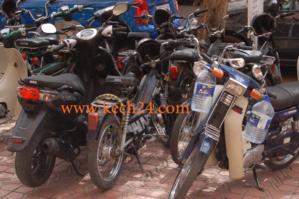 احذروا، سرقات دراجاتكم النارية من امام المساجد