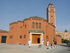 مسؤول بودادية أبراج الكتبية يعوض إمام مسجد