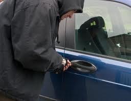 سرقة سيارتين ليلة عيد الفطر بحي الداوديات
