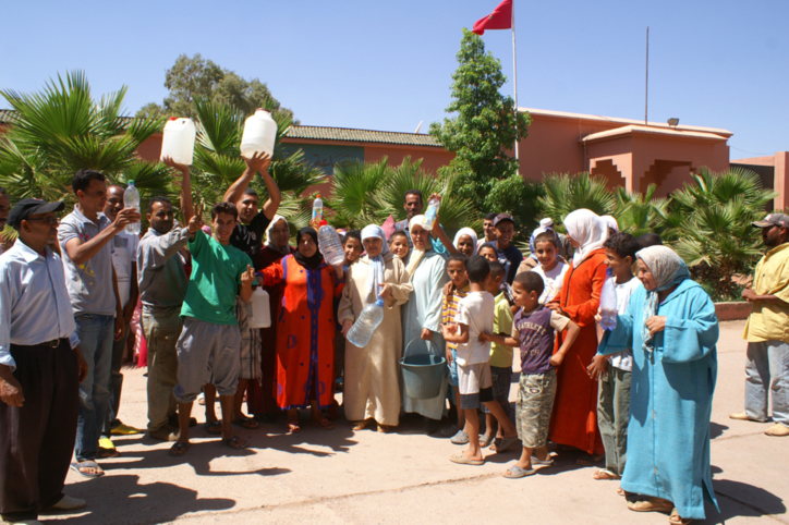 احتجاج حي الامارات بتسلطانت على العطش والتهميش من طرف الجماعة