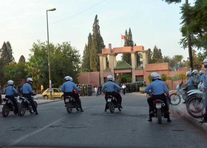 مسؤولون كبار بولاية أمن مراكش يشرفون على إجتياز الإمتحانات بكلية الحقوق بمراكش