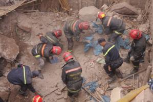 انهيار حائط منزل بحي الملاح يخلف إصابة شخص ورعب وسط سكان حي الملاح