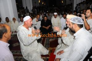 فرنسي يعلن إسلامه بمسجد تركيا بجيليز