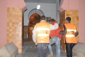 اعتقال احد المتهمين بسرقة العدادات المائية بحي سيدي يوسف بن علي من طرف المواطنيين