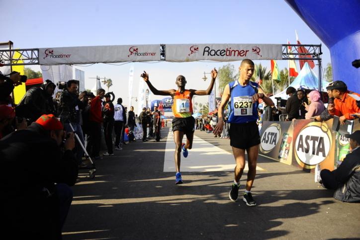 الدورة ال24 لماراطون مراكش الدولي : العداء الكيني ستيفان طوم يحافظ على لقبه ويحطم الرقم القياسي الصامد منذ 1999