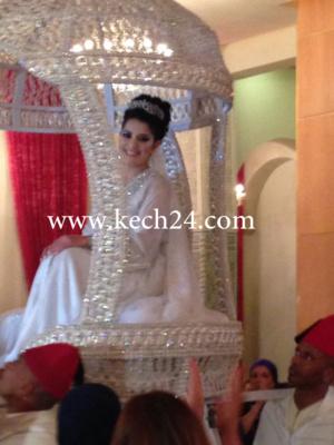 كل ما تريدون معرفته عن زواج الممثلة سناء موزيان بمراكش: الزوج والضيوف وصورها فوق العمارية