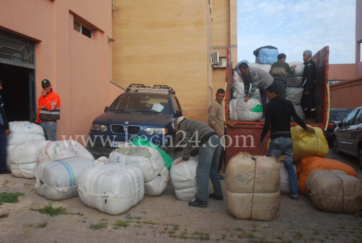 جمارك مراكش تحجز شاحنة محملة بحوالي 30 طنا من الملابس المهربة