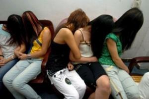 محاكمة 5خليجيين و5 فتيات مغربيات ضمنهن طالبات وفتاة قاصر بتهمة الدعارة بمراكش