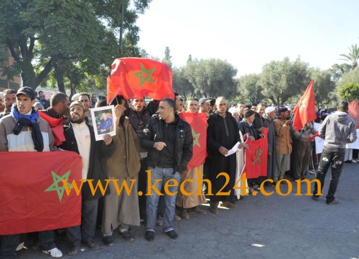 عاجل : حوالي 60 شخصا في مسيرة إحتجاجية إلى عمالة قلعة السراغنة