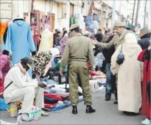 سلطات مراكش تدشن حملات لمحاربة الباعة الجائلين بحي دوار العسكر