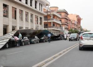 رياح قوية تشل حركة السير بشارع محمد الخامس بمراكش