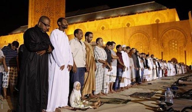 بعد فرنسي واسبانيين مواطنة بلجيكية تشهر إسلامها بمسجد الهدى بالمحاميد