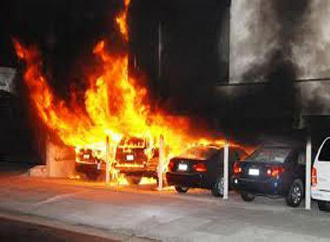 اندلاع حريق مهول بورشة ميكانيكية بمراكش والنيران تلتهم سبع سيارات فارهة