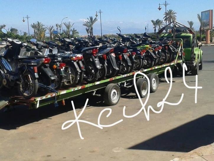والي الجهة ومواقف الدراجات النارية بساحة جامع الفنا