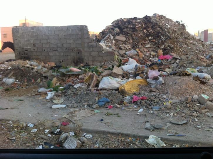 مستودعات للأتربة بالقرب من مجمعات سكنية بمراكش
