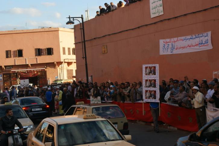 نقابة شباط تدخل على الخط في قضية دار الحليب بمراكش... والمحتجون ينتقدون موقف حكومة بنكيران