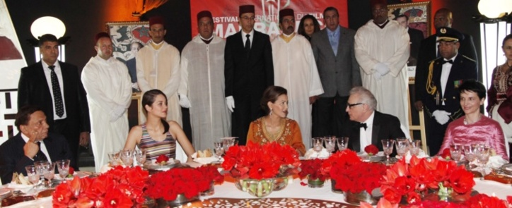 عادل امام جلس على طاولة الأميرة لالة مريم وظهر كالاطرش في الزفة