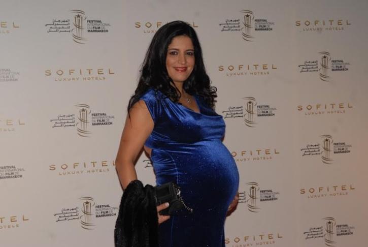 الممثلة سناء مزيان جات تودي حملها فمهرجان مراكش