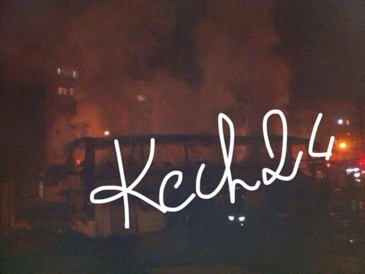 بالصور : النيران تلتهم حافلة بشارع مولاي عبد الله بمراكش