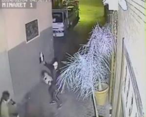 أمن مراكش يعتقل الملثم بطل الڤيديو الذي قام بسرقة فتاة تحت التهديد بسيف