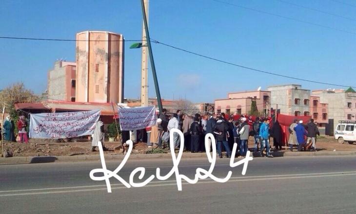 عاجل : سكان داور لهبيشات بتسلطانت يقطعون الطريق العمومي في مسيرة احتجاجية