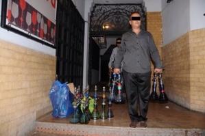السلطة المحلية بحي السعادة تشن الحرب على مقاهي الشيشة