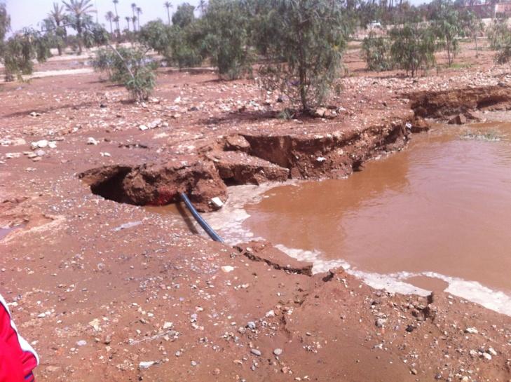 انفجار قناتين لإعادة تصريف المياه العادمة بحي الشرف بمراكش