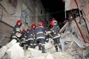 عاجل : الأمطار تتسبب في انهيار منزل بحي باب دكالة بمراكش