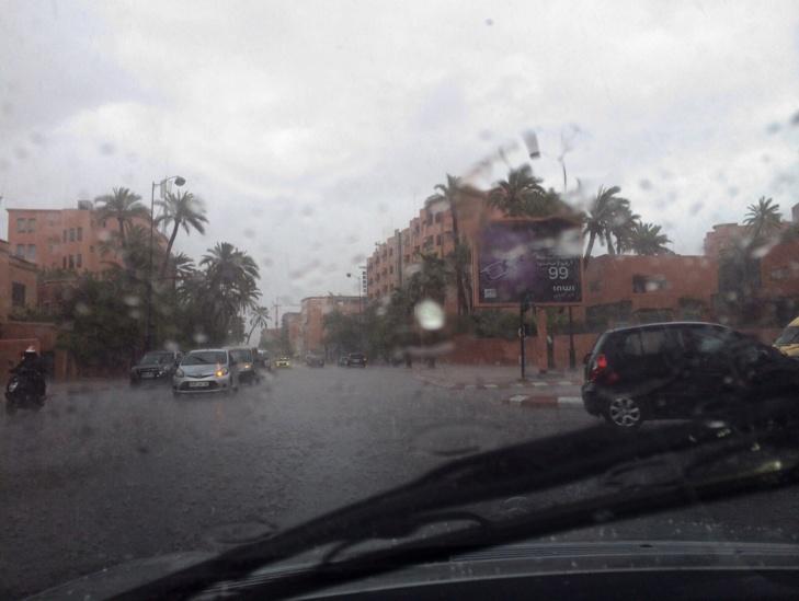 عاجل : التساقطات والتبروري بمراكش... وفيضانات تغمر بعض احياء المدينة (صور حصرية)