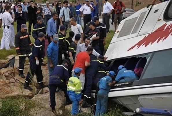 مصرع 5 أشخاص وإصابة أزيد من 25 آخرين في إنقلاب حافلة للنقل نواحي الصويرة