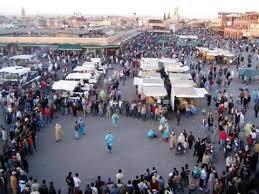 صدق أو لا تصدق...سائح أجنبي يوزع أوراق مالية بسخاء في مراكش