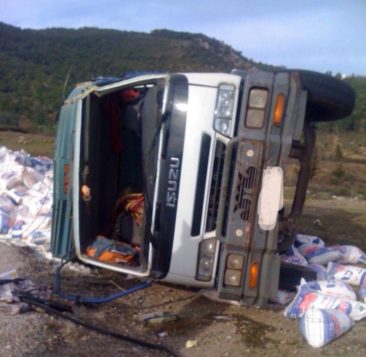 إصابة 3 أشخاص في إنقلاب شاحنة نواحي إقليم الحوز