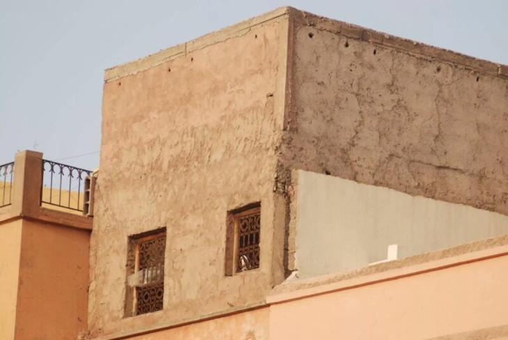 البناء العشوائي ينتقل الى المدينة العتيقة لمراكش + صور