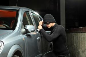 سرقة السيارات متواصلة بمراكش ... سرقة سيارة من نوع ڤولكسڤاكن بدوار سيدي امبارك