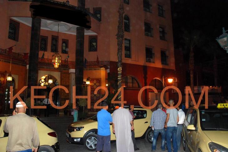 سائقوا الطاكسيات الصغيرة يحتجون على ڤيدورات فندق مصنف بمراكش + صورة حصرية