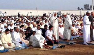 اليوسفية: مصلون يحتجون على تأخر ممثل السلطة عن توقيت صلاة العيد