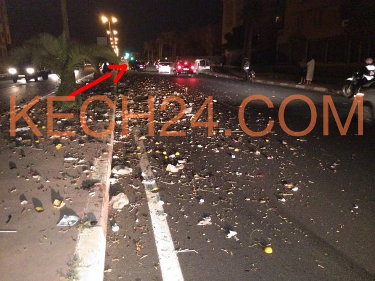 حادثة سير غريبة ... مصرع دابة (بغل) ونقل صاحب عربة مجرورة في حالة خطيرة بمراكش + صور حصرية