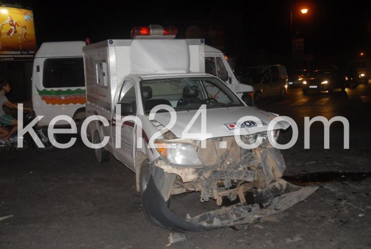 حادثة سير غريبة: بين سيارة إسعاف وسيارة خفيفة بمراكش + البوم صور حصري