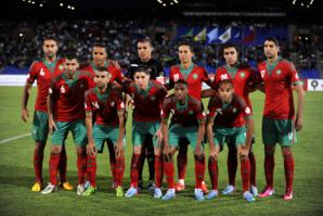 حصري: لاعبوا المنتخب المغربي لكرة القدم يؤدون صلاة الجمعة بمسجد بلبكار بمراكش