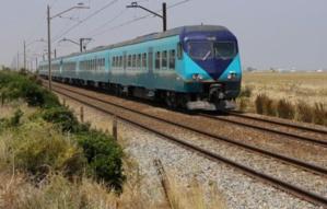 عاجل: تعطل القطار القادم من البيضاء نحو مراكش ومئات المسافرين عالقين بمنطقة خالية بين برشيد وسطات
