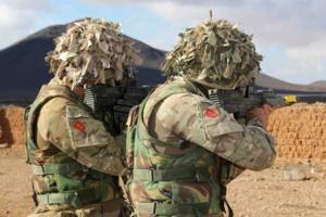 الجيش المغربي والبريطاني يجريان مناورات عسكرية مشتركة بمراكش