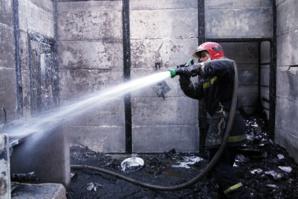 عاجل : حريق مهول بإحدى الشقق بتامنصورت يرسل شخصين الى مستعجلات ابن طفيل