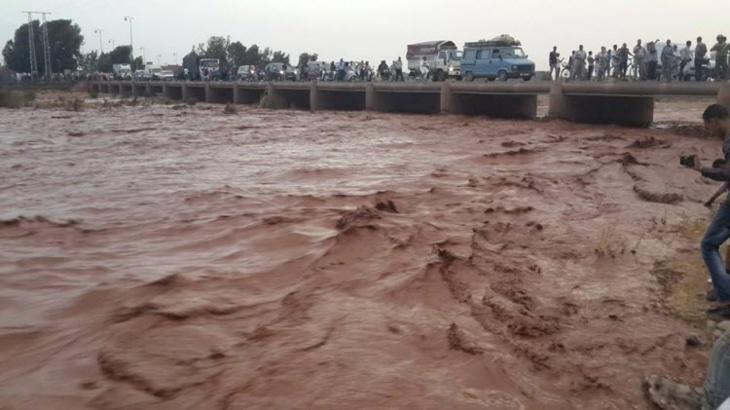 الفيضانات تضرب مناطق متفرقة بإقليم الحوز وأنباء عن جرف ممتلكات وهدم عدد من المنازل بالقرب من مراكش + صور