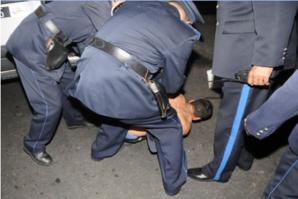 إنفراد: إيقاف شخصين من عصابة