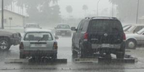 نشرة إنذارية: أمطار قوية بهذه المناطق وبحر قوي الهيجان والأرصاد الجوية تحذر المواطنين