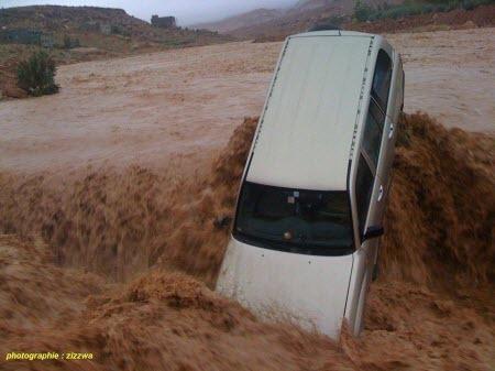 وفاة مدير مدرسة غرقا جراء سقوط سيارة على متنها 7 أساتذة بواد نواحي شيشاوة