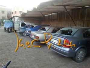 تكسير زجاج 9 سيارات داخل موقف للسيارات بآزلي بمراكش + صورة