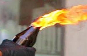 خطير: مخمور يقذف مقهى بقنينة