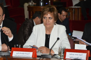 البرلمانية المراكشية ميلودة حازب: الملك هو الضامن لاستقرار المغرب وليس حكومة بنكيران