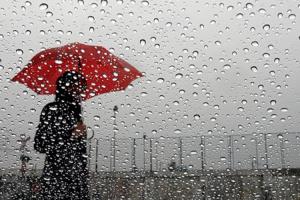 الأرصاد الجوية: الأمطار تعود غدا الثلاثاء إلى المغرب بهذه المناطق